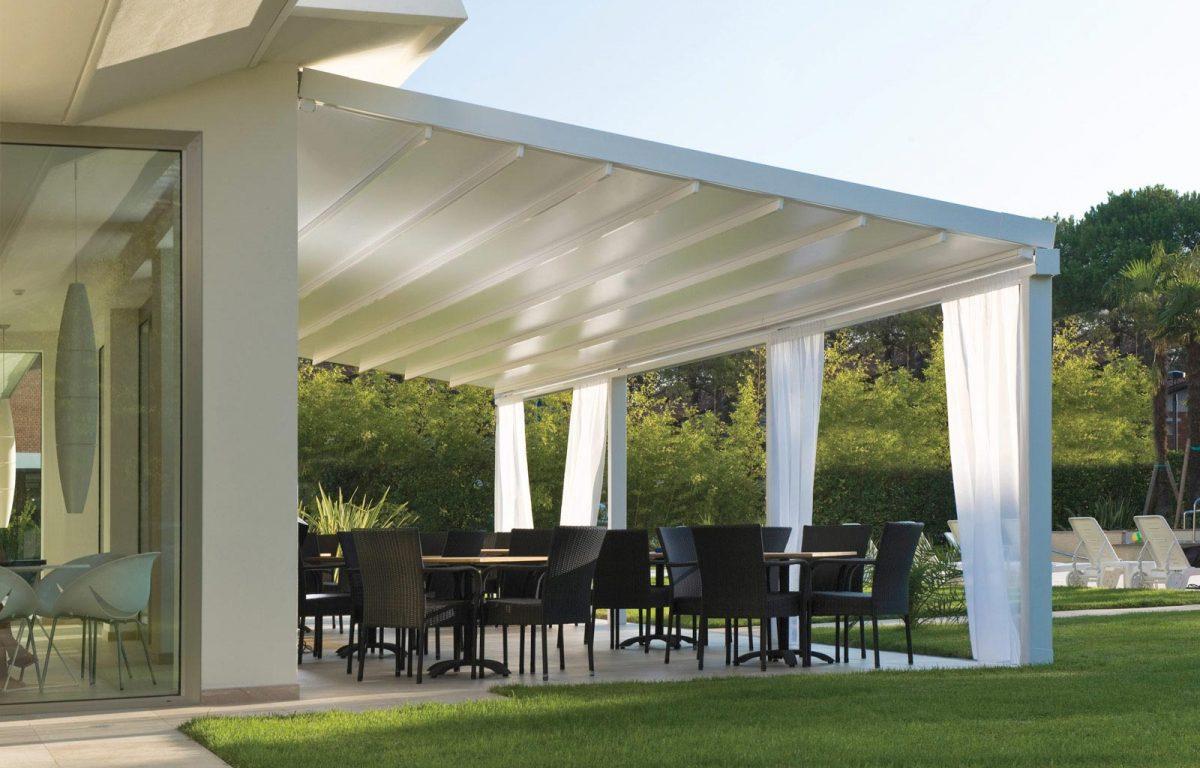Tecnic Level è la pergola esteticamente rifinita e resistente, realizzata in alluminio